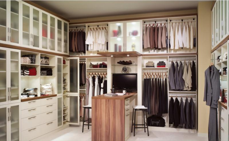 Need Help In Designing Your Walk In Wardrobe