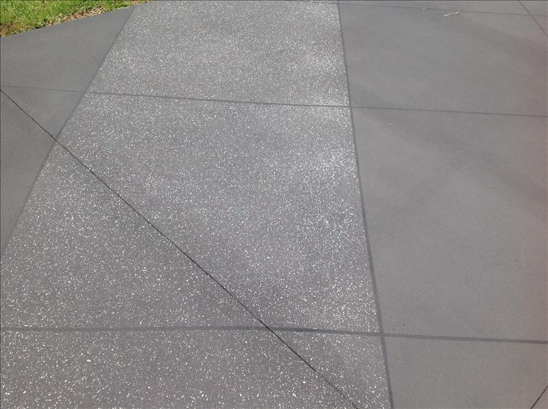 Driveway Finish in Spec Home Whitsundays
