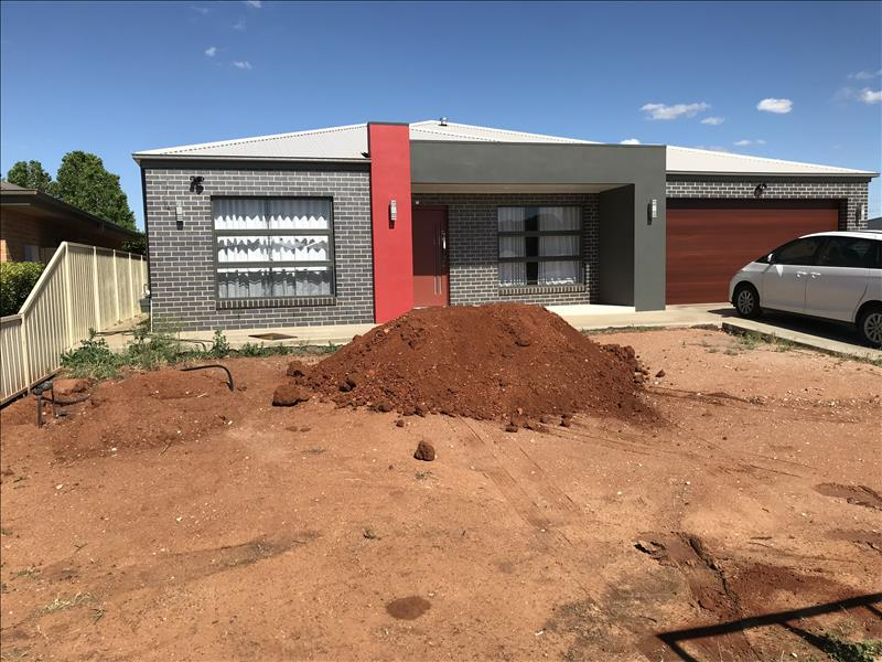 RED DOOR A HIT AT MADDEN DRIVE, GRIFFITH