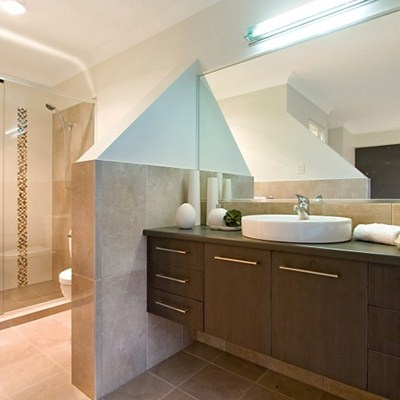 ENSUITE GOES AIRY