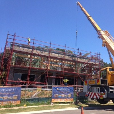 KORORA HAVEN DISPLAY ROOF GOES ON